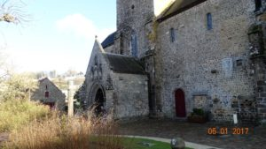 Lonlay l'abbaye à 15 km de la Maison Launay